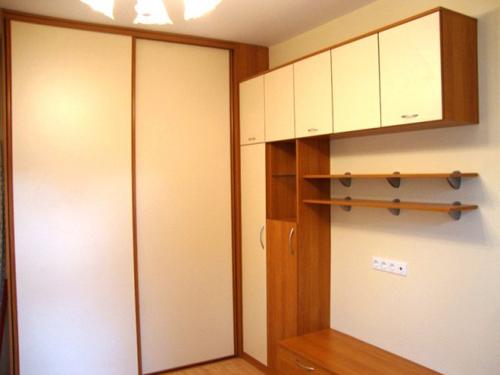 Вградени гардероби по проект